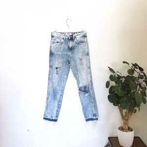 Acid Wash Distressed High Waisted Jeans